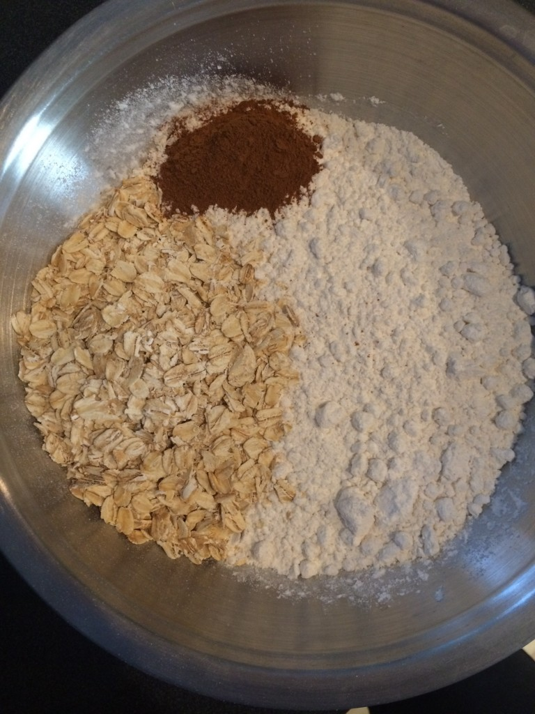In a different bowl mix 1/2 cup rolled oats, 3 cups flour and 2 teaspoons of cinnamon